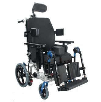 immagine seggiolone disabile ruote piccole